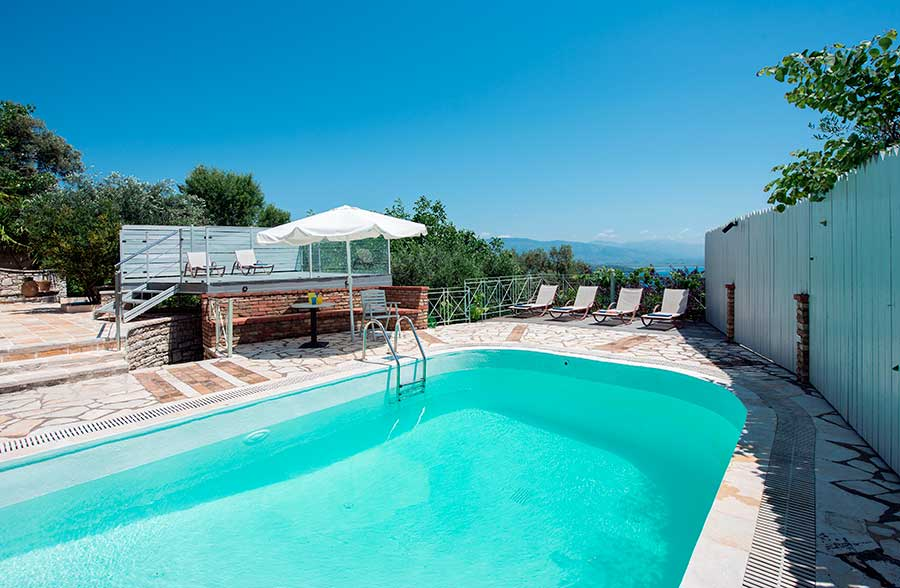 villa for 6-7 guests with swimming pool